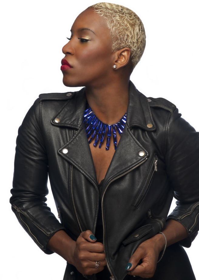 LiV Warfield_photo credit_Chris Ottaunick_image 2(1)