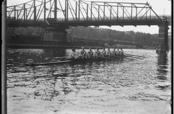 The Harlem Rowing club, Harlem River, 1911