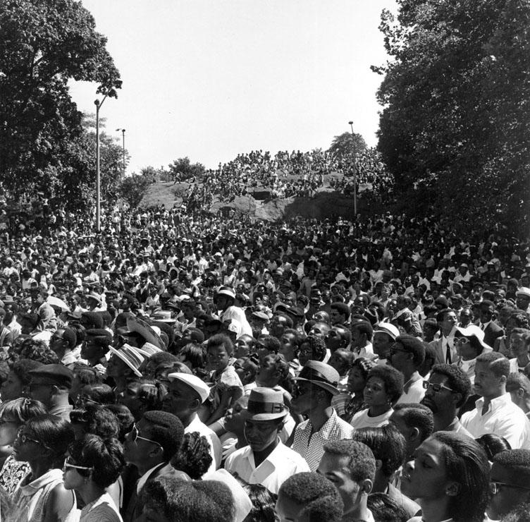 1969 Harlem Cultural Festival Crowd