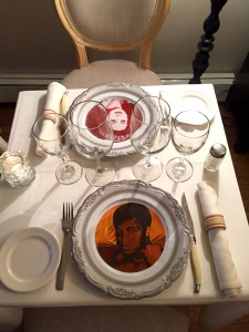 """Custom printed plates allow one to """"dine with celebrities"""""""