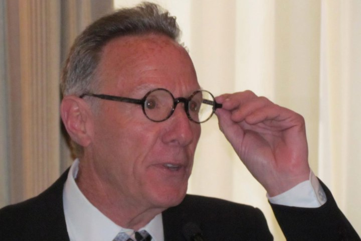 Ian Bruce Eichner  at University Club speech before Young Mens'/Womens' Real Estate Association credit Lois Weiss