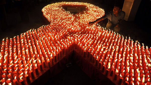 aids-day-candles