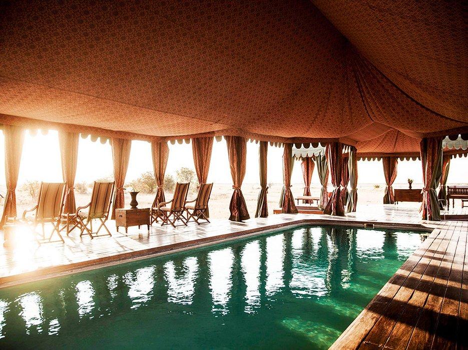 5589a25deb260e510b3b08f4_26-safari-botswana-jacks-camp-2