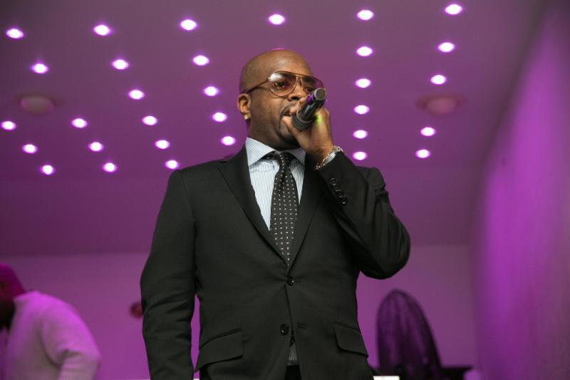 Jermaine Dupri introduces the premiere episode.