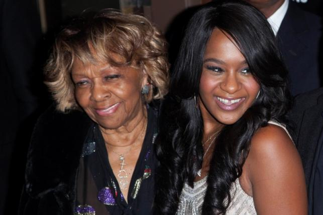 """Cissy Houston and her grand daughter Bobbi Kristina Brown (R) attend the opening night of """"The Houstons: On Our Own"""" in New York in an October 22, 2012 file photo. REUTERS/Andrew Kelly/Files"""