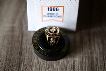 Replica 1986 NY Mets World Championship Ring