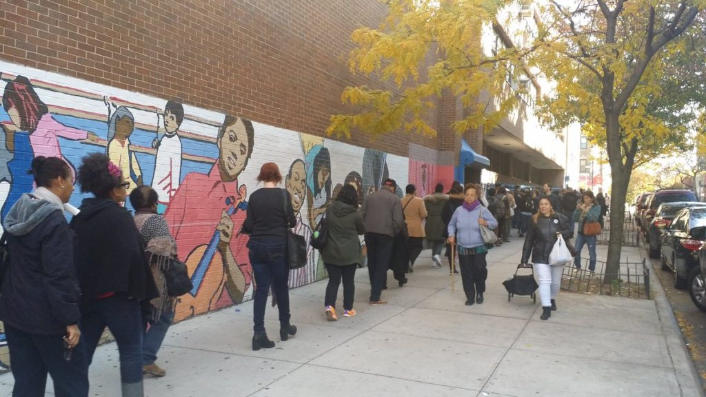 wait-lines-in-harlem-for-election