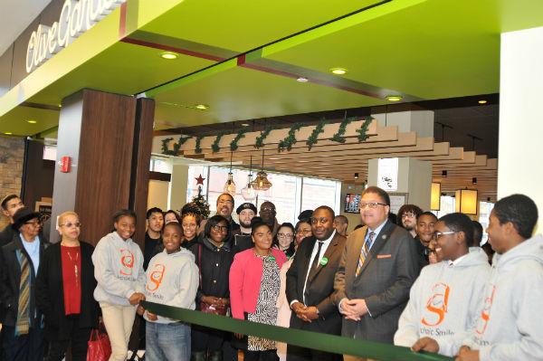 Rudy 39 S World Olive Gardens Ribbon Cutting In Harlem